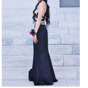 Dresses & Skirts - ‼️NEW‼️ Two piece prom dress